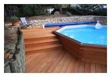 Construire une piscine avec brettes piscine constructeur for Constructeur piscine landes