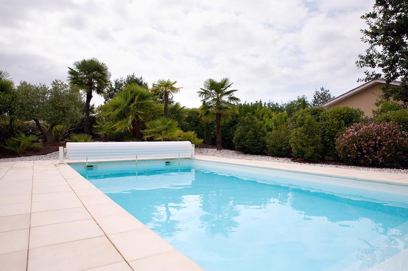 piscine avec liner gris piscine de petite taille piscine xs minipiscine avec un liner gris et. Black Bedroom Furniture Sets. Home Design Ideas